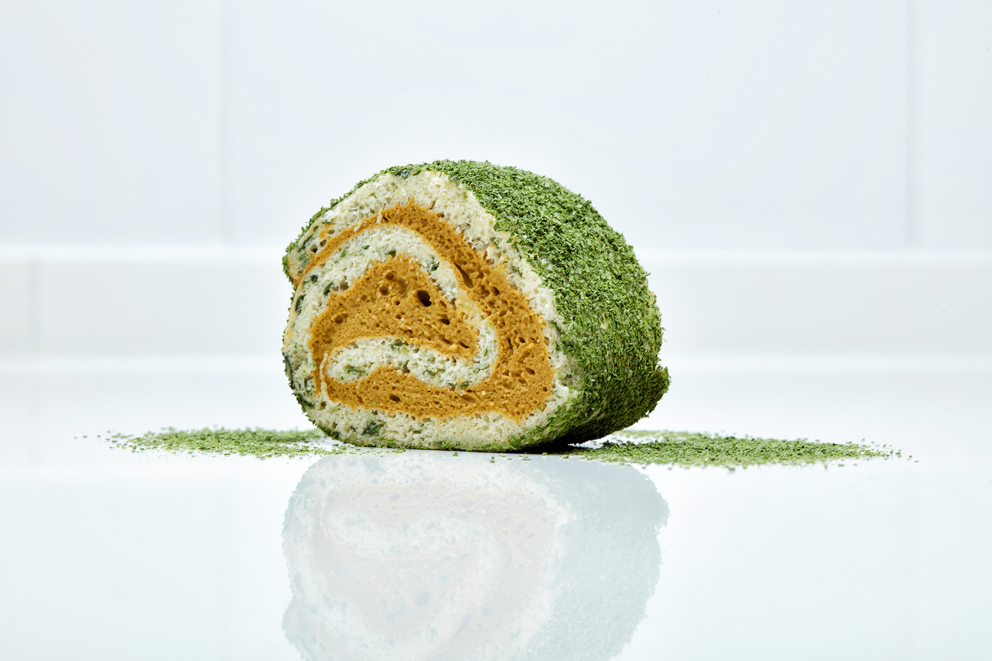 Swiss roll of ortiguilla and lamb cottage cheese