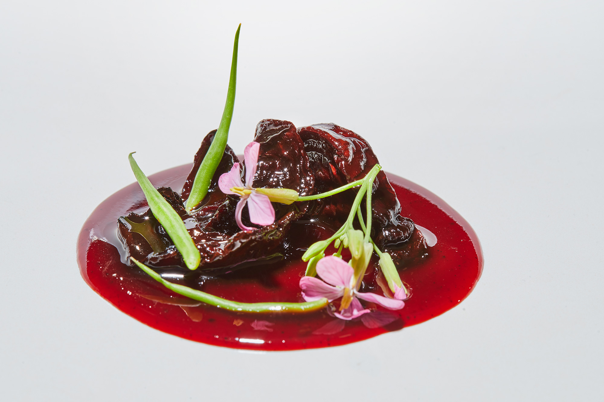 Dehydrated beetroot with reduced pig's trotters and beef lips jus